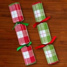 Plaid Holiday Crackers